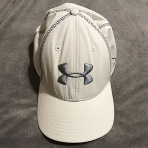 Mens UNDER ARMOUR (MD/LG) Hat